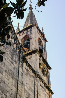 Iglesia de Santiago/Church of Santiago