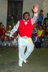 2010-02-04 Desfile de Llamadas en Montevideo (46) - Desfile de Llamadas (Parade der Rufe), Karnevalsumzug in Montevideo, Uruguay (mike.bulter) Tags: karneval carnival umzug parade karnevalsumzug dance dancer desfiledellamadas man mann menschen montevideo people southamerica suedamerika taenzer tanz uruguay barriosur ury carnaval