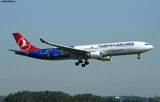Turkish Airlines Airbus A330-303 TC-JOH / LHR