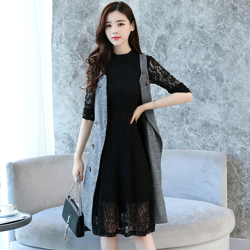 Autumn winter fashion suit skirt two piece 2018 new Korean version long sleeved lace inside dress