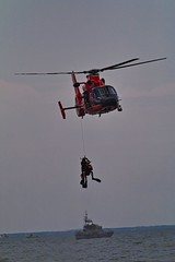 IMG_5323 (Desmojosh) Tags: united states coast guard demo rescue helicopter canon 400mml 56l 70d ac atlantic city airshow air show beach 2018 planes cockpit