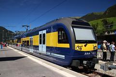 Berner Oberland-Bahn (Krzysztof D.) Tags: pociąg train zug kolej bahn railway dworzec station stacja bahnhof europa europe szwajcaria schweiz suisse svizzera svizra wąskotorówka narrowgauge schmalspurbahn electric elektryczny