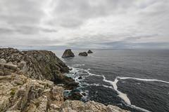 La pointe de Pen Hir (Thos A.) Tags: cliff falaise seascape sea mer iroise rocher roche rock stone sky cloud nuages ciel crozon canon eos eos80d nature natur breizh bretagne bzh