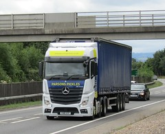 Parsons Pickles CN18 VCP at Welshpool (Joshhowells27) Tags: lorry truck mercedes mercedesbenz mercedesactros actros mercedesbenzactros curtainsider burryport parsonspickles cn18vcp