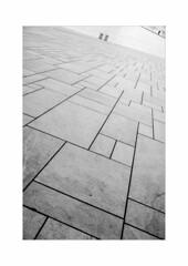 Oslo (SinoLaZZeR) Tags: oslo opera house oper norge norwegen norway europa europe scandinavia skandinavien architecture architektur street streetphotography schwarzweiss blackwhite blackandwhite bw fujifilm fuji finepix xpro2 xf 23mm 黑白 建筑设计 挪威 奥斯陆 歌剧院 人影 街头摄影 fujinonxf23mmf2 noiretblanc minimalism