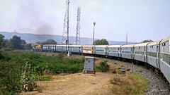 VATVA WDG3A (Chirag Sagar - Indian Rail Road) Tags: 11088 pune veraval express vatva wdg3a wakaner gujrat diesle locomotive india indian railways chirag sagar rail road