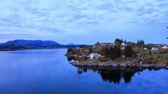 Herdla 13.mai. (bjarne.stokke) Tags: askøy hordaland skyer speiling norway norge norwegen eldsfjellet