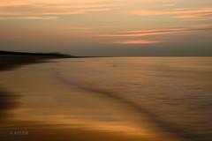 Golden Sunset (ARTUS8) Tags: flickr verwackelt nikon24120mmf40 strand nikond800 meer wolken sonnenaufuntergang sonnenuntergang ocean sand himmel sky water wasser norderney icm intentionalcameramovement panning