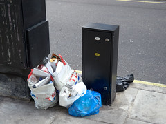 Cleveland Street. 20180819T16-12-19Z (fitzrovialitter) Tags: peterfoster fitzrovialitter city camden westminster streets rubbish litter dumping flytipping trash garbage urban street environment london fitzrovia streetphotography documentary authenticstreet reportage photojournalism editorial captureone olympusem1markii mzuiko 1240mmpro microfourthirds mft m43 μ43 μft geotagged oitrack exiftool linearresponse