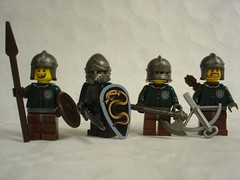 Medieval soldier test Slytherin (fdsm0376) Tags: lego figurine minifig medieval soldier army brickwarriors harry potter quidditch
