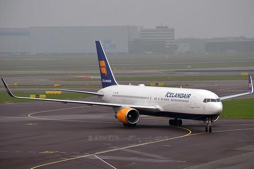 """Svörtuborgir"" Icelandair TF-ISN Boeing 767-319ER Winglets cn/30586-808 @ EHAM / AMS 08-11-2017"