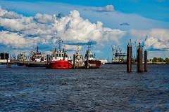 Hamburg Elbe (AnnaCharlie777) Tags: hamburg hafen elbe schiff rot boat ship harbour water