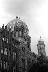Synagogue (ucn) Tags: synagogue zeissikondonata2277u rollexpatent6x9cm agfacopexrapid berlin oranienburgerstrase mitte architecture architektur filmdev:recipe=12019 adoxadoluxatm49 developer:brand=adox developer:name=adoxadoluxatm49