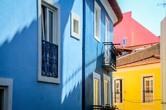 (Liane FKL) Tags: lisboa lisbonne portugal colors couleurs fasad façades city ville street rue urbain urban blue bleu rose pink yellow jaune ombre shadow fenêtre windows houses maisons colorées colorful