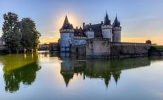 Château de Sully sur Loire (JG Photographies) Tags: europe france loire sullysurloire château douve médiéval couleurs paysage jgphotographies canon7dmarkii châteaudelaloire castle