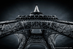 Eiffel Tower in Paris in B/W ... (fmonin) Tags: france longexposure bluehour bw edificeremarquable themes paris toureiffel europe monument tour longueexposition nb capitale