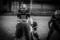 Friday Night Lights (Phil Roeder) Tags: desmoines iowa desmoinespublicschools hooverhighschool football sports athletics athletes students blackandwhite monochrome canon6d canonef100400mmf4556lis