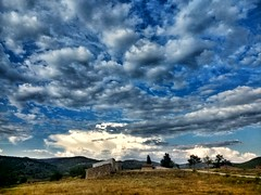 IMG_20180815_191436618_HDR-01 (Lucio José Martínez González) Tags: luciojosémartínezgonzález salinasdelmanzano cuenca castilla castillalamancha paisaje lansdcape nubes clouds hdr ngc españa spain europa europe