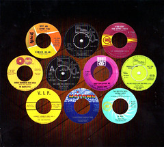 Specess019 - Various Artists - Essential Motown Northern Soul [5] (Mystery Singer) Tags: motown media unbadged public
