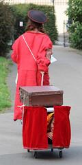 Woman in a cat box (ec1jack) Tags: kierankelly canoneos600d ec1jack regentspark london england britain uk europe camden august 2018 park summer cat carry box
