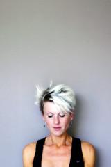 ( ? ) (roberke) Tags: portrait portret woman vrouw female face gezicht model pose posing naturallight daglicht availablelight indoor