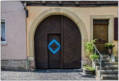 Poort (conrad.seegers) Tags: poort blauw vierkant binnenstad munnerstad grabfeld rhoen altstad viereck pforte innenstad