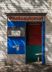 Photoautomat 8 (justingreen19) Tags: berlin europe germany minuten photoausgabe selfie street analog blue booth city coinoperated develop iconic justingreen19 lettering passportphoto photo photobooth photoautomat photographiere photography portrait reconditioned retro sign signage suburbs texture typeface