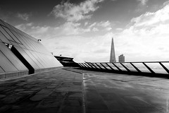 One New Change Roof Terrace (Ian Smith (Studio72)) Tags: rx100 sonyrx100 sony uk england london onenewchange roof terrace view viewpoint architecture cityscape city urban theshard bw bnw nb blackandwhite mono monochrome sunshine sunlight shadows silhouette contrast studio72
