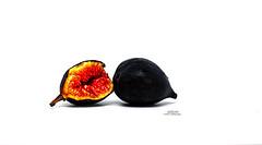 IMG_4427 Ripe (Cyberlens 40D) Tags: nature food fruits stilllife projects art artforms genres figs ripe ready mature edibles nj platinumheartaward elitegalleryaoi bestcapturesaoi higo
