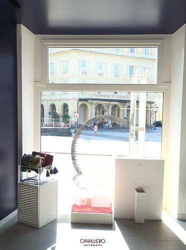 Vetrina in legno negozio Beauty Star - Acqui Terme