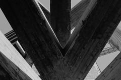 SESC Pompéia (Lina Bo Bardi), São Paulo, SP, Brasil (fotografia analógica - Nikon F401S, Kentmere 400). (Paulisson Miura) Tags: kentmere kentmere400 sescpompéia linabobardi arquitetura architecture urbanismo brutalismo brutalist brutalista bétonbrut concreto concrete concretoarmado concretoaparente rawconcrete design modern moderna modernist modernachitecture moderno modernismo arquiteturapaulista sãopaulo sp brasil brazil brazilian blackandwhite black white grey gray pretoebranco preto branco cinza film filmphotography filme filmphoto filmcamera filmisnotdead analog analógica analogue analogcamera fotografiaanalógica câmeravelha nikon f401s n4004s line lines lightroom developing developer d76 35mm 135
