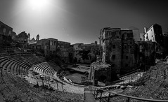 Part one: La Sicilia è.... a jump to the past (Roman theater of Catania) (Pep Peñarroya) Tags: lasiciliaè sicily italy sicilia catania romantheaterofcatania