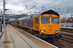 DONCASTER 111115 66741 (SIMON A W BEESTON) Tags: doncaster ecml eastcoastmainline first gbrf 66741 swanagerailway 6f08