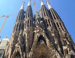 Barcelone: Sagrada Familia (Яeиée) Tags: europethebestphotos patrimoines barcelone catalogne espagne eglisesdumonde casamila españa