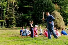 marcel ziet dat het goed is (regionaal landschap Schelde-Durme) Tags: waasmunster kinderen pdpo lia natuurbeleving hooiland speelnatuur landschap landbouw biodiversiteit samenwerken