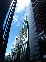 Not every line can be straight (DameBoudicca) Tags: tokyo tokio 東京 japan nippon nihon 日本 japón japon giappone ginza 銀座 modernarchitecture