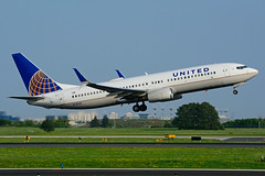 N78506 (United Airlines) (Steelhead 2010) Tags: unitedairlines boeing b737 b737800 yyz nreg n78506