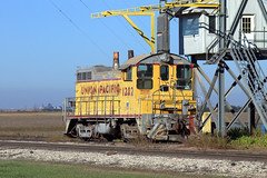 UP 1202 (BSTPWRAIL) Tags: up union pacific cruger elevator grainland cooperative sw10 locomotive 1202 railroad railway rail road way