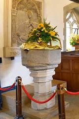 King Midas 0898 (blackthorne57) Tags: bovinger bobbingworth essex stgermainschurch church athome churchfete floraldisplay bankholidaymonday kingmidas flowers flowerarrangement