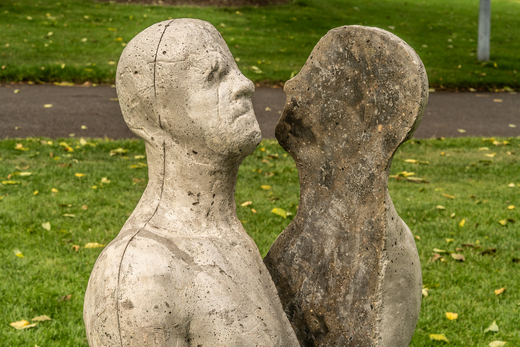 SAME SAME DIFFERENT BY BRIAN SYNNOTT CATALOGUE REFERENCE 142 [SCULPTURE IN CONTEXT 2018 IN THE BOTANIC GARDENS]-144023