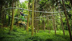 Nothing more exciting as soaring through the forest on the #ZipCoaster #rollercoaster #zipline http://bit.ly/2nmWeD2 (Skywalker Adventure Builders) Tags: high ropes course zipline zipwire construction design klimpark klimbos hochseilgarten waldseilpark skywalker