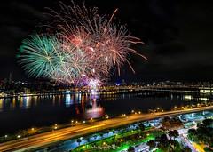 Firework~2018大稻埕煙火 (Estrella Chuang 心星) Tags: 煙火 夜景 心星 estrella firework nightview 大稻埕