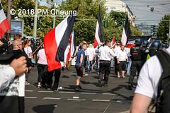Rudolf-Heß-Gedenkmarsch 2018: Mord verjährt nicht! Gebt die Akten frei! Recht statt Rache  und Gegenprotest: Keine Verehrung von Nazi-Verbrechern! NS-Verherrlichung stoppen! – 18.08.2018 – Berlin –IMG_6283 (PM Cheung) Tags: rudolfhessmarsch wwwpmcheungcom berlin mordverjährtnichtgebtdieaktenfreirechtstattrache neonazis demonstration berlinspandau spandau friedrichshain hesmarsch rudolfhes 2018 antinaziproteste naziaufmarsch gegendemonstration 18082018 blockade npd lichtenberg polizei platzdervereintennationen polizeieinsatz pomengcheung antifabündnis rechtsextremisten protest auseinandersetzungen blockaden pmcheung mengcheungpo pmcheungphotography linksradikale aufmarsch rassismus facebookcompmcheungphotography keineverehrungvonnaziverbrechernnsverherrlichungstoppen antifaschisten mordverjährtnicht rudolfhesmarsch sitzblockaden kriegsverbrechergefängnisspandau nsdap nskriegsverbrecher geschichtsrevisionismus nsverherrlichungstoppen hitlerstellvertreterrudolfhes 17august1987 rathausspandau ichbereuenichts b1808 festderdemokratie verantwortungfürdievergangenheitübernehmen–fürgegenwartundzukunft rudolfhessmarsch2018 rudolfhesgedenkmarsch rudolfhesgedenkmarsch2018
