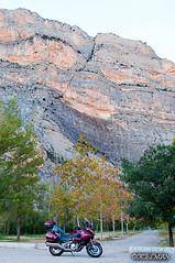 La Noguera (DOCESMAN) Tags: pirineos pyrenees prepirineo noguerapayaresa lleida honda deauville moto bike landscape