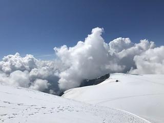 la Gobba di Rollin tra le nubi