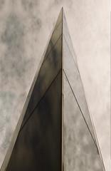 """Tour miroir de nuages ... ( P-A) Tags: tour obélisque structure art miroirattraction artiste réalisation visiteurs monument photos simpa© """"nikonflickraward"""""""