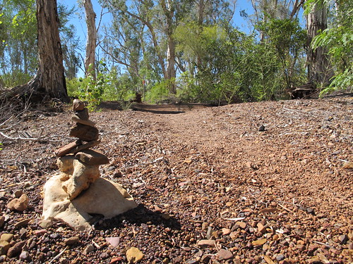 Cairn on the Millstream trail