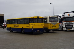 Mercedes-Benz O 305 ZWN 433 / VERMAAT in de TCR stalling Dirksland 22-09-2018 (marcelwijers) Tags: mercedesbenz o 305 zwn 433 vermaat de tcr stalling dirksland 22092018 mercedes benz lijnbus streekbus nederlnad niederlande netherlands pays bas autobus autocar buses busse coach met kenteken bhtl48