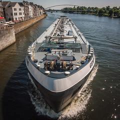 Shipping (Matt H. Imaging) Tags: ©matthimaging ship transport river maastricht limburg netherlands konicaminolta minolta dimagea2 a2 dimage
