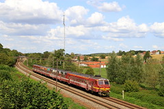 B0835--2018_08_31_056 Hennuyères (phi5104) Tags: trains treinen sncb nmbs hennuyères